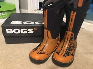 BOGS winter boots youth 11