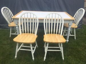 Country style kitchen table and chairs