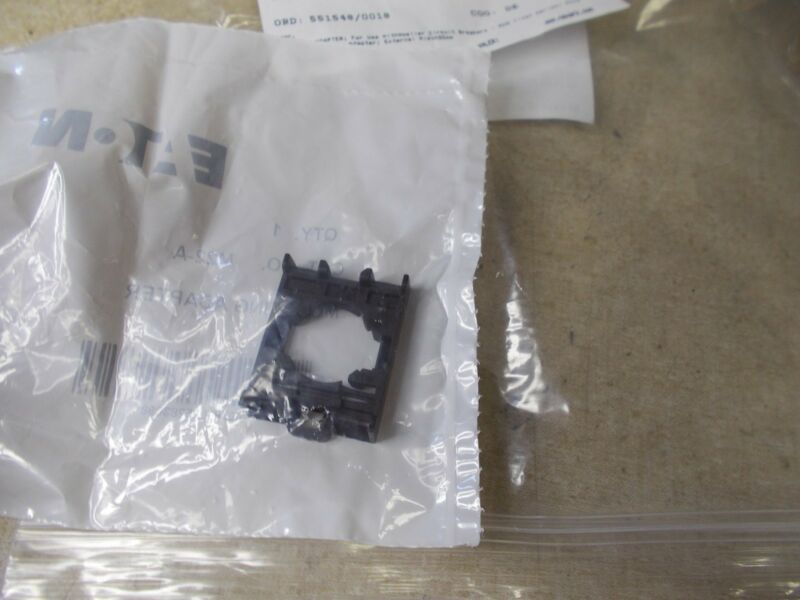 NEW Moeller Eaton Mounting Adapter M22-A *FREE SHIPPING*