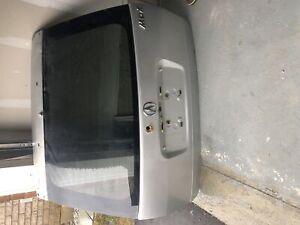 Acura MDX 2006 Tail gate !!  Including several parts