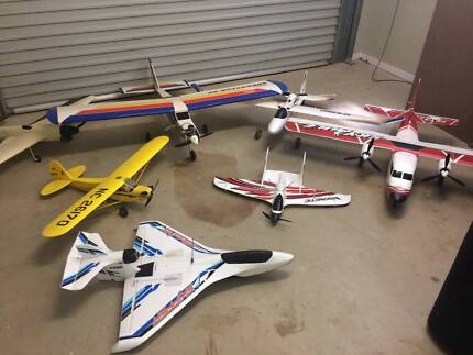 JOB LOT RC MODEL PLANES