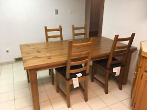 Kitchen pine table with 4 chairs