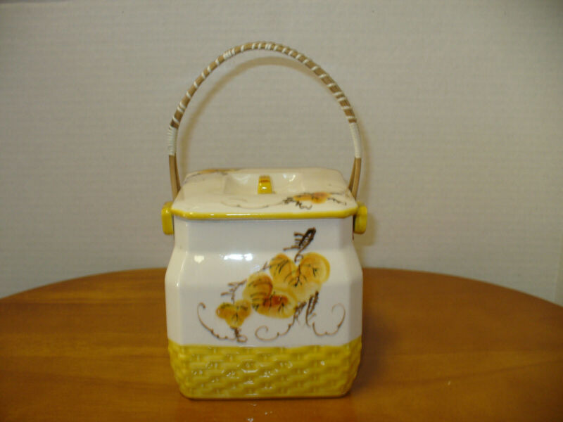 Cookie / Biscuit jar with lid and wicker handle