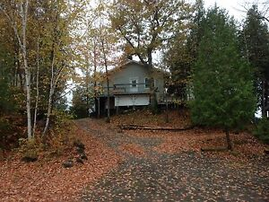 2 bed house for rent on Charleston Lake
