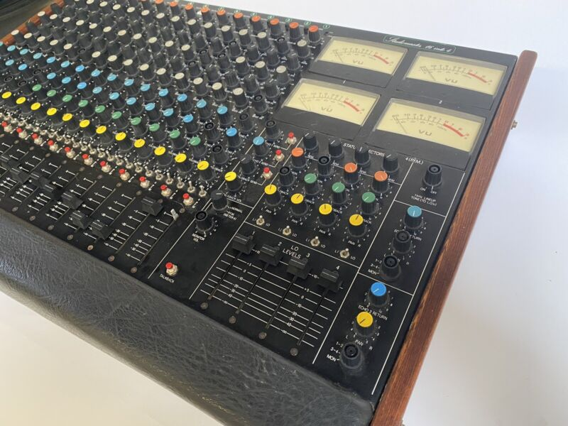 Studiomaster 16 Into 4 16 Channel Analog Mixing Desk