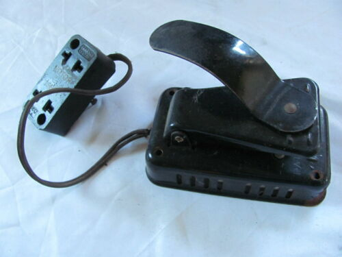 1919 Singer Model 66 Sewing Machine Knee Foot Control Pedal