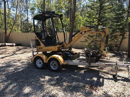 Mini excavator for hire $195 per day.
