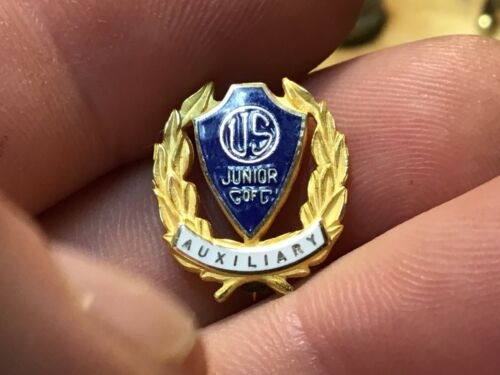 Vintage US Junior C of C Auxiliary Chamber of Commerce Shield Enamel Pin