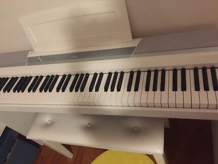 Korg digital piano 88 keys with stylish wooden stand