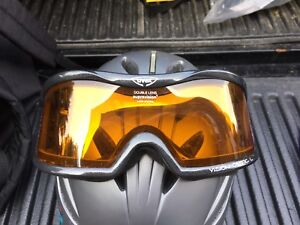 Ski helmet with goggles