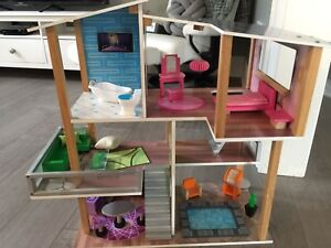 Kid Kraft wooden doll house with accessories