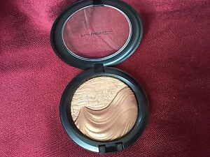 Mac Skinfinish Limited Edition Makeup