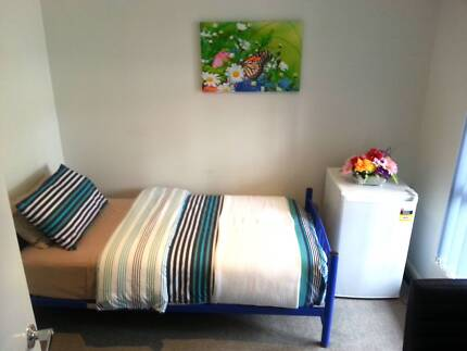 Single Room Fully Furnished: Non-Smoker only