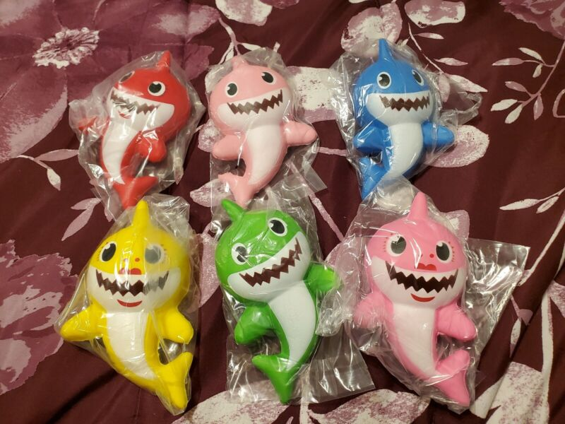 Baby Shark Family 6 Pieces Squishy Toy