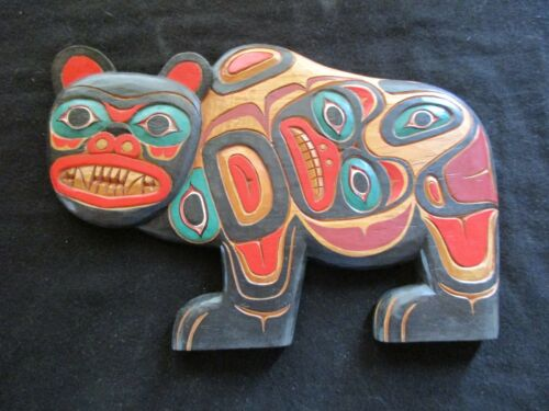 CLASSIC NORTHWEST COAST DESIGN, LG. CARVED GRIZZLY EFFIGY PLAQUE,  WY-0221*04661