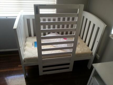 WHITE COT AND PORTA COT $150 Mackay 4740 Mackay City Preview