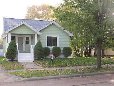 $112,000 House for sale 1300 sqft 4 Bedrooms NEW Roof/Windows/Bathroom