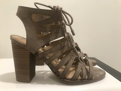 KENNETH COLE Reaction Gladiator Style Strappy Heeled Super Comfy Sandal Size 8
