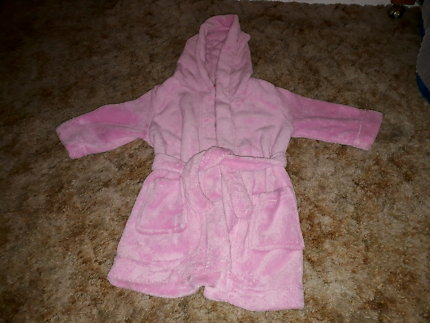 Country Road Dressing Gown size 3   Kids Clothing   Gumtree ...