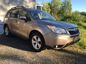 2015 SUBARU FORESTER TOURING !!