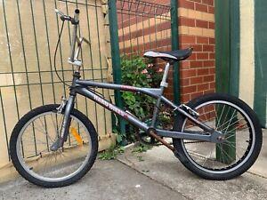 "Haro Bikes TR2.0 Mens 20"" BMX Bike. Mid School 90s."