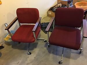 Free desk and chairs for pick up Edmonton Edmonton Area image 5