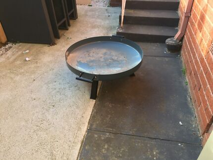 Fire pit / wood heater