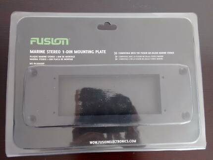 Fusion Marine Stereo 1-DIN Mounting Plate - Brand New Fremantle Fremantle Area Preview
