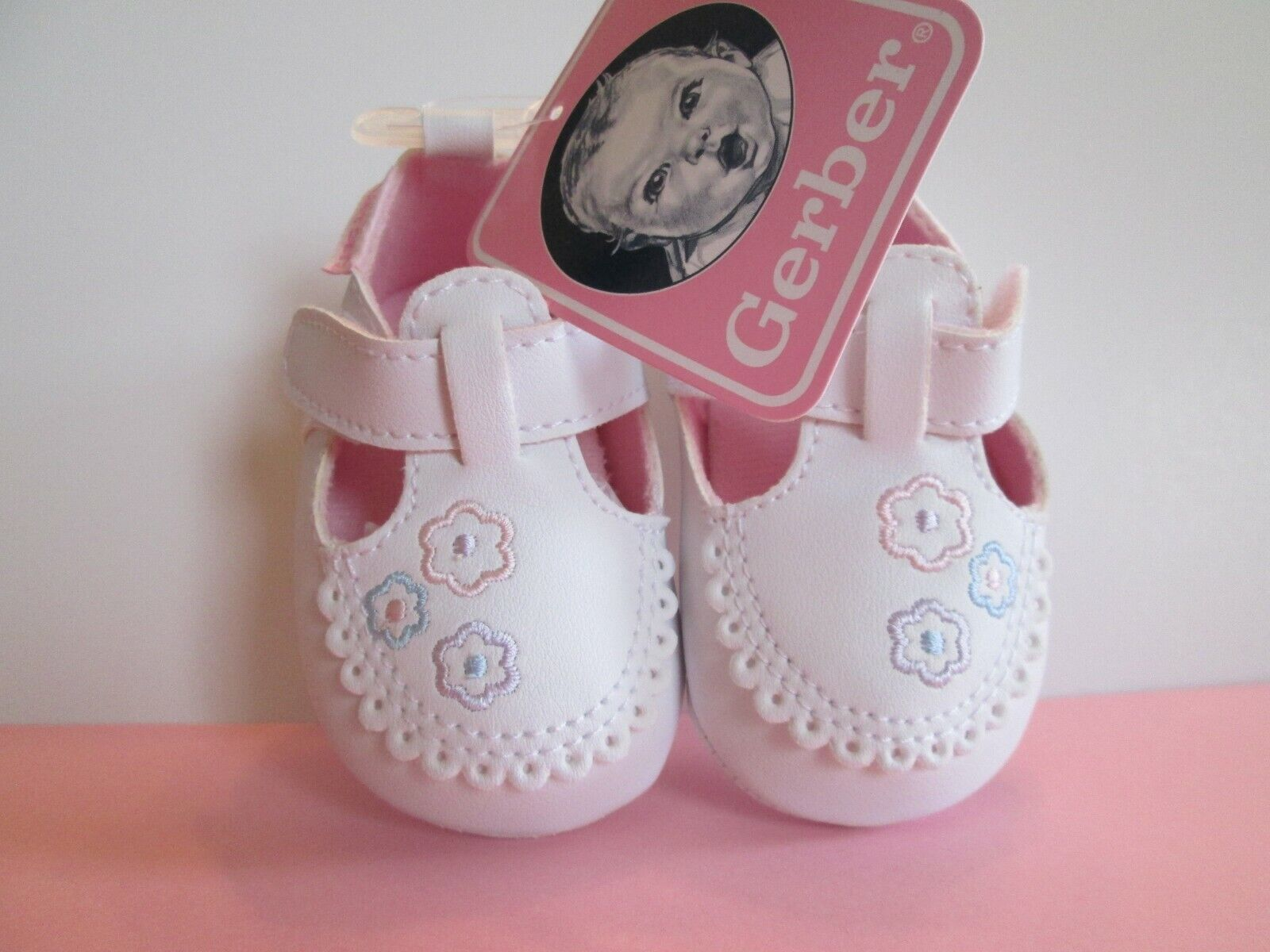 Gerber Baby Girl White Pink Blue Lavender Flowers Soft Sole
