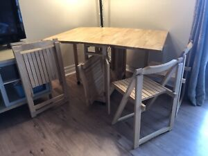 Space Saving Kitchen Table & Chairs