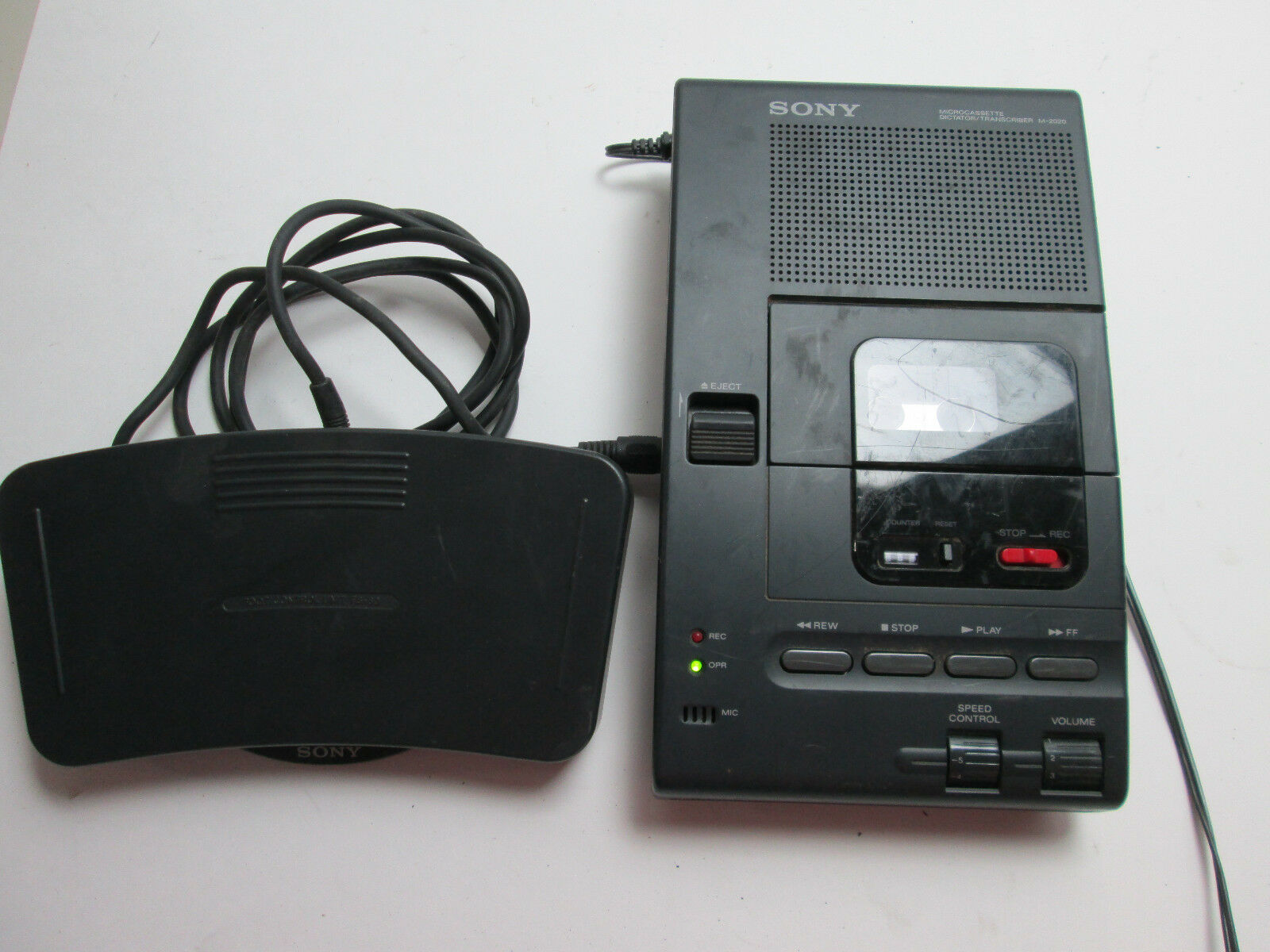 Sony Microcassette Dictator/Transcriber with Foot Pedal M2020 Speed Control T