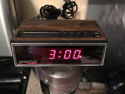 Vtg Spartus Red LED Alarm Clock1129 Faux Wood Grain Display Tested Clean