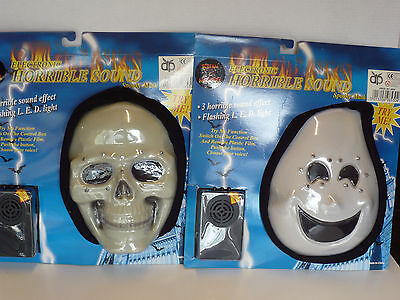 Halloween Sound Effects Machine (SCREAM MACHINE ELECTRONIC MASK WITH HOOD 3 SOUND EFFECTS AND FLASHING)