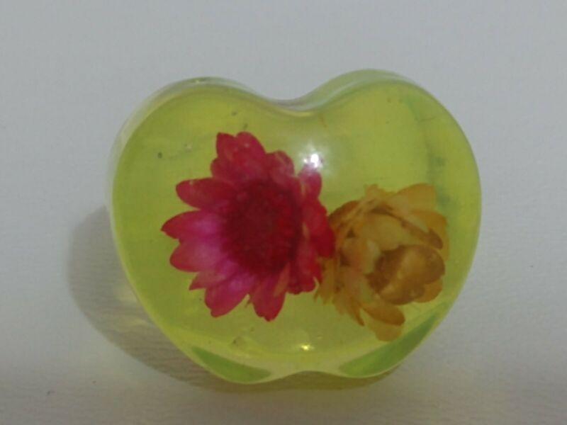 Vintage Beautiful flowers Translucent Lucite  Bubble Ring size 8