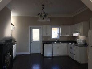 Beautifully Renovated Single Family Home Uptown!