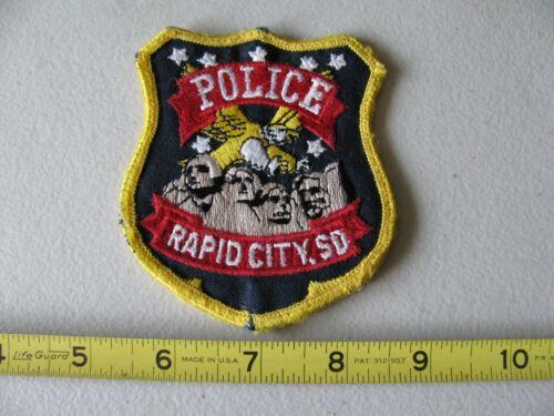 OLDER RAPID CITY SOUTH DAKOTA POLICE COLORED SHOULDER PATCH