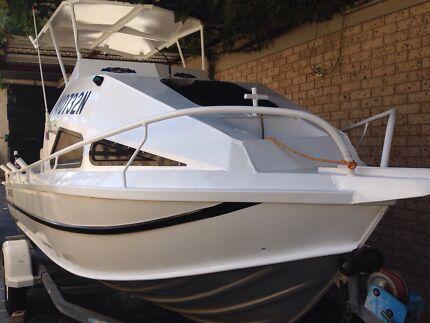 URGENT SALE half cabin aluminium boat Fairfield Fairfield Area Preview