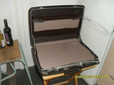 BRIEFCASE HARD SHELL SAMSONITE FULLY FITTED VGC