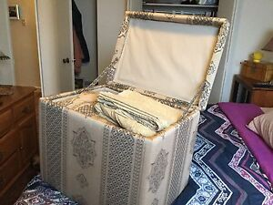 Queen Bed Set + Storage Box!-PPU