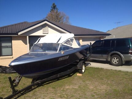 Hinton 17ft fishing/ski/family boat Tanilba Bay Port Stephens Area Preview