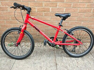"""Frog 55 Red 20"""" Wheel Unisex Child's Road Bike in good condition"""