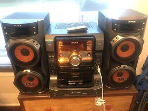 Home Shelf Stereo System SONY LBT-ZX6 Dual Cassette 5 Disc CD Changer MP3