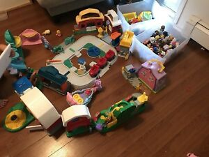 BIG lot 8+ sets & accessories + xtras Little People all for $50