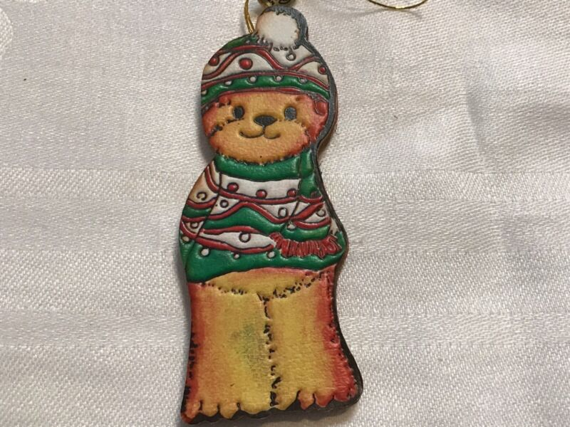 Bear With Hat&sweater Enesco Christmas Ornament Smudge on Leg? Leather?