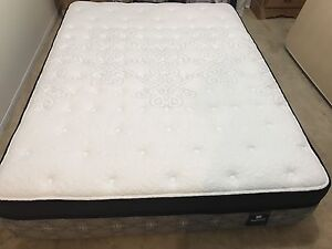 Brand new Deluxe mattress / matelas - Delivery