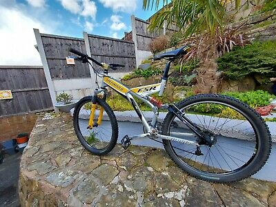 1999 Specialized fsr comp full suspension mountain bike in great condition