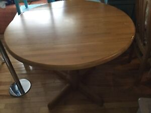 Dining table circle w/wings