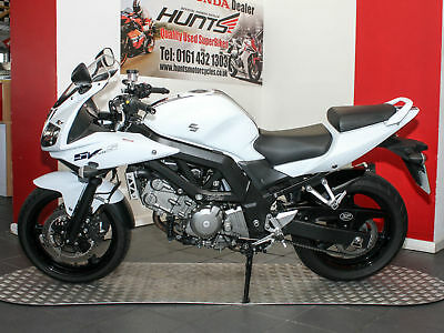 2016 '16 Suzuki SV650S. Only 2,199 Miles From New. PipeWerx Silencer. £3,995