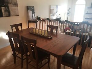 Antique Table w 6 chairs Real Wood