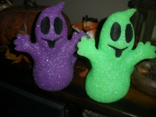VTG ? 2 Halloween Light Up Battery Operated GHOST POPCORN MELTED Plastic Works